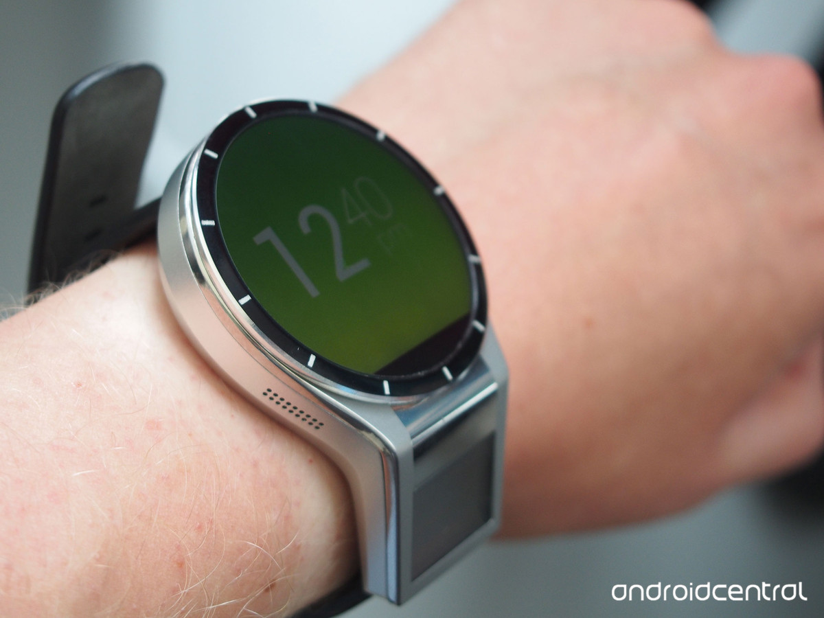 Lenovo's new concept smartwatch looks bigger than you ...