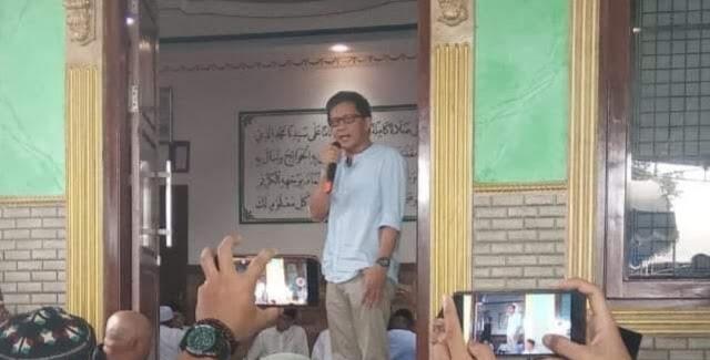 Sesat dan Menyesatkan, Syaikh Rocky Gerung Ceramah di Masjid