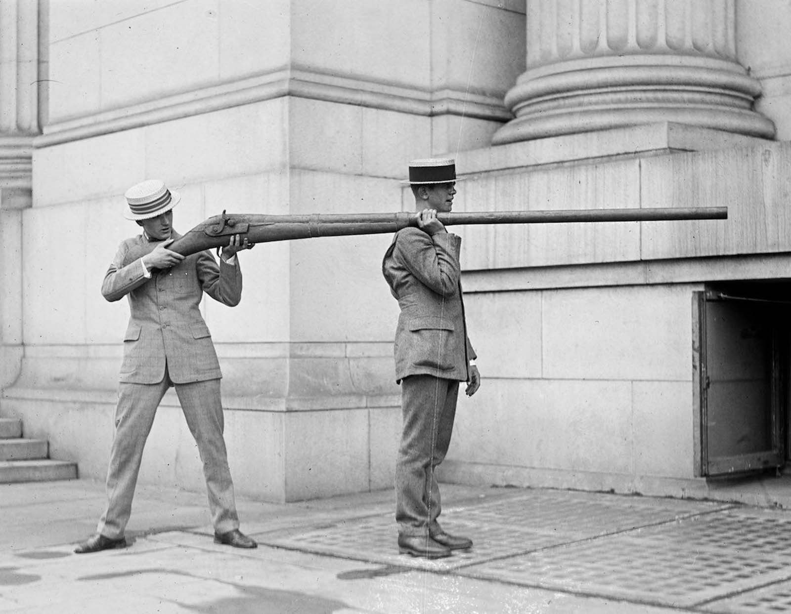 A Punt Gun, used for duck hunting but were banned because