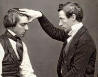 Berikut Cara Melakukan Hipnotis Dengan tehnik Fokus Jari