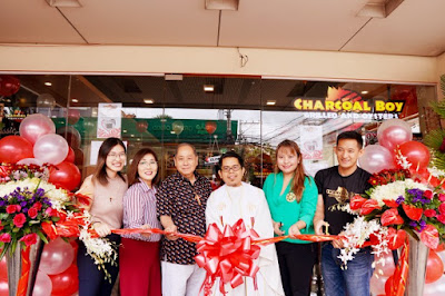 Andrea Ivy Dy, Charcoalboy Escario Franchisee Dr. Jean Rafanan Dy, CCTN47 President Nonito Limchua,                                                Vice Rector Seminario Mayor Rev. Fr. Jose Adonis Aquino, Atty. Dara Acusar of Divina Law Office and Charcoalboy President Jeffrey Luke Martinez