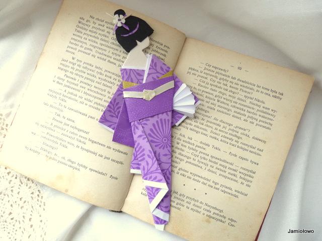 zakładka wykonana z papieru do origami