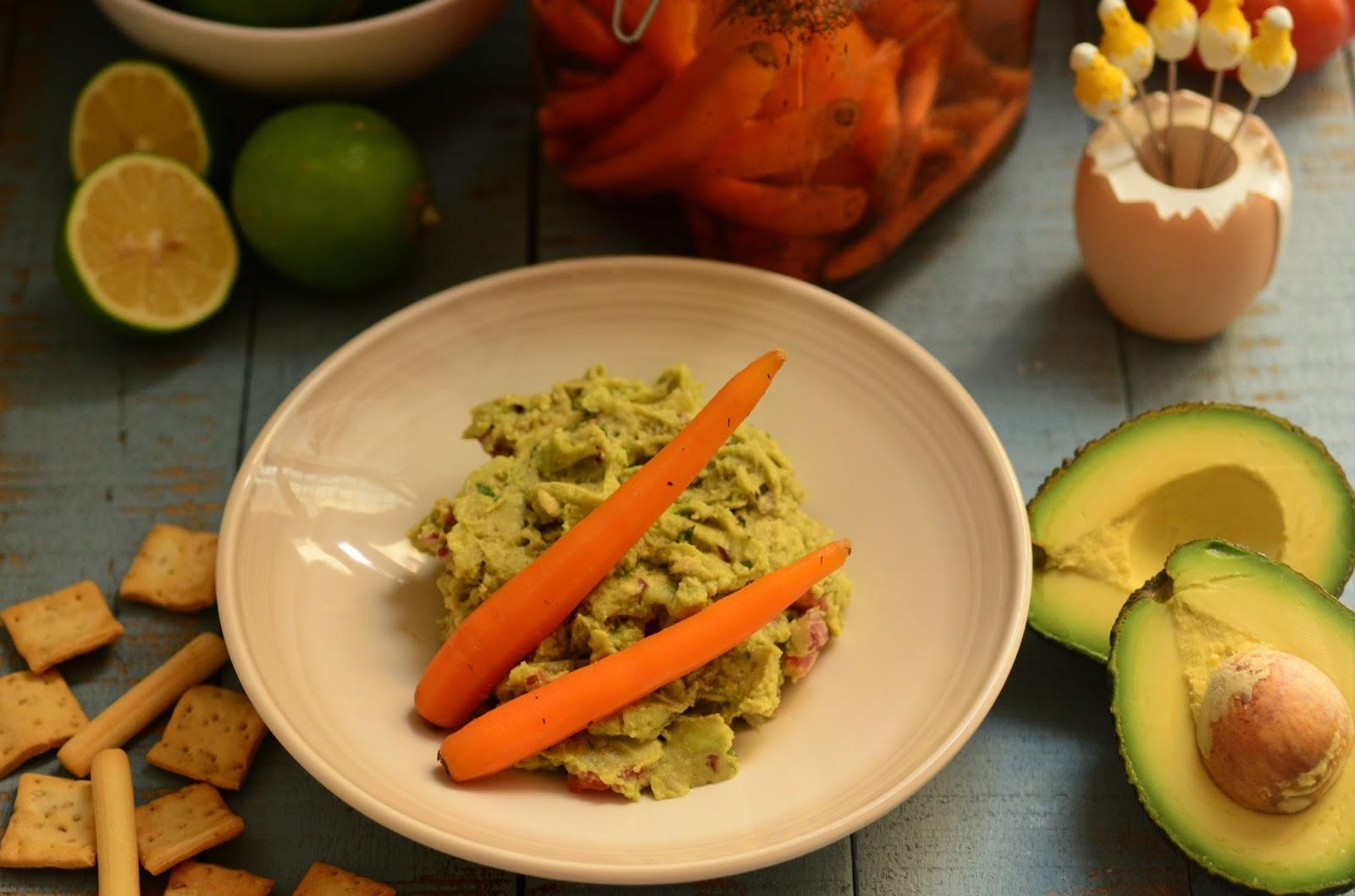 Zanahorias encurtidas con guacamole casero cuchillito y tenedor - Encurtido de zanahoria ...