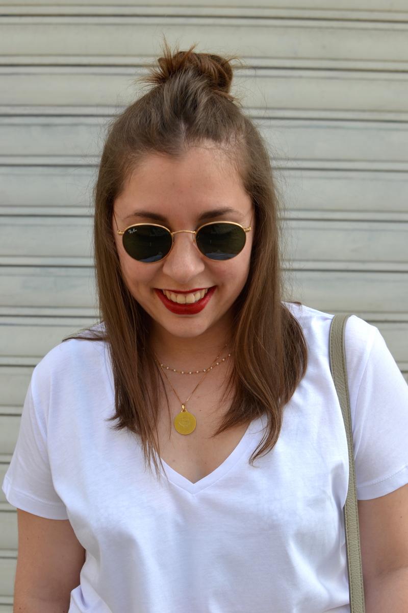 lunette de soleil Ray ban ronde et t-shirt blanc H&M