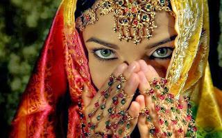 mata perempuan perawan