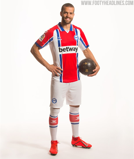 Alavés 20-21 Home, Away & Third Kits Released - Footy Headlines