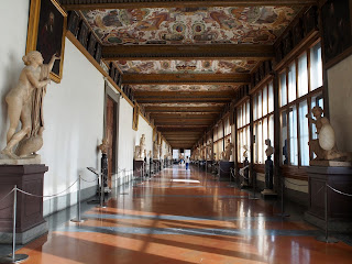 Photo inside the Uffizi Gallery