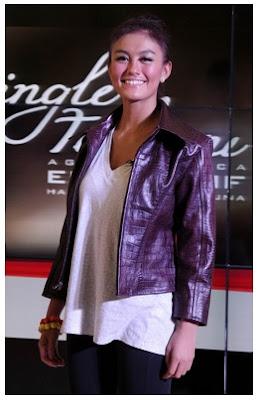 Model Jaket Kulit Agnes Monica