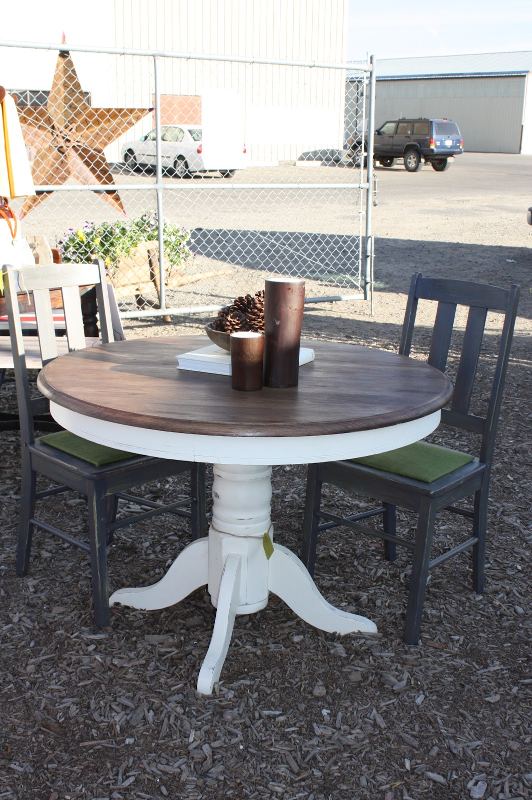Kitchen Table: Kelly Miller Creations: Pedestal Kitchen Table