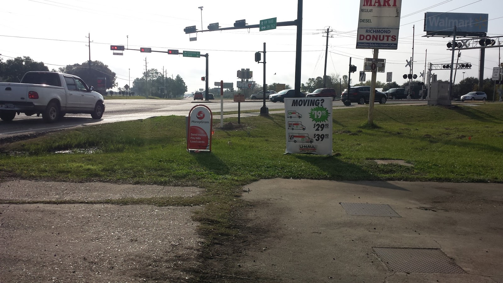 The Intersection Of Golfview(avenue I) And Fm 762(thompson Rd) Near Fill  Out A Moneygram Money Treasury How