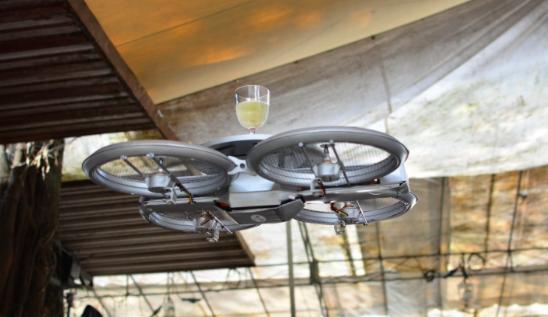 餐廳還需要服務生嗎?新加坡連鎖餐廳將導入無人機送餐|數位時代