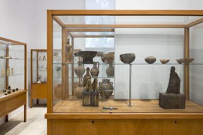 Το Αρχαιολογικό Μουσείο Μυκόνου δεν θα μπορούσε να έχει μία απλή έκθεση με αγάλματα