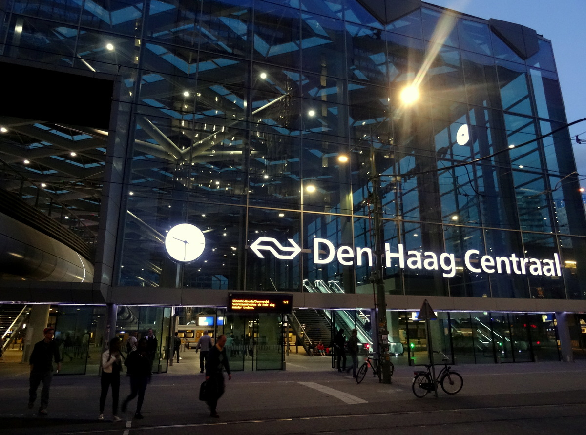 Netherlands the new den haag centraal station travel for Waldos travel den haag