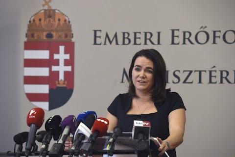 Novák: A kormány célja esélyt adni a fiataloknak