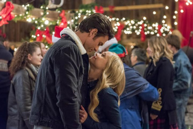 A Song for Christmas (2017) – Christmas Drama that Prioritizes Family