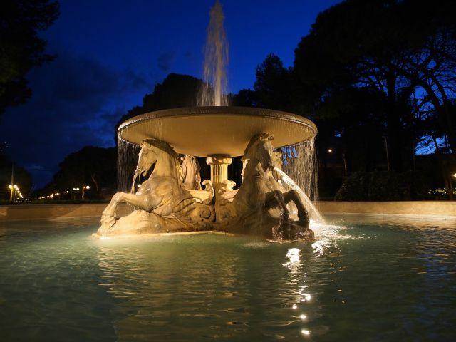fontana-quattro-cavalli-rimini-poracci-in-viaggio-offerta-hotel