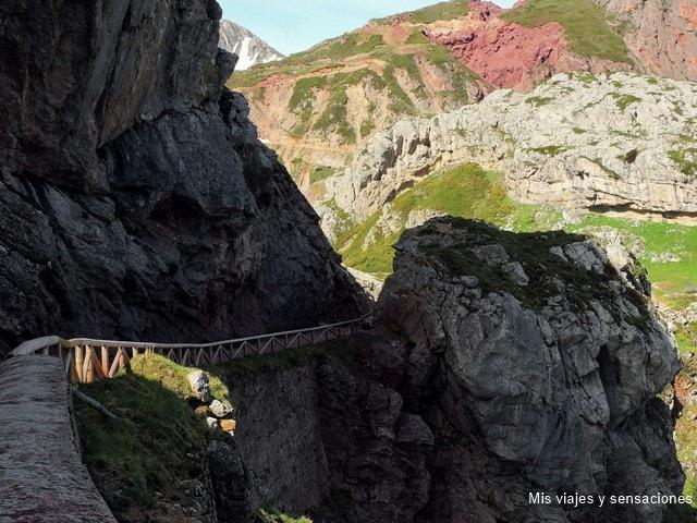 Camino a los lagos de Saliencia, Parque Natural de Somiedo, Asturias