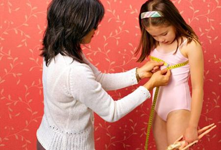Dạy con gái tuổi dậy thì về sức khỏe giới tính