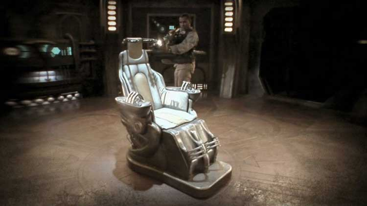 "The ancient interface device chair in Stargate Universe's ""Life"""