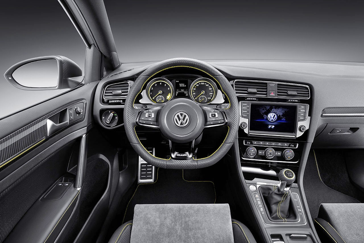 400 PS Four-Wheel-Drive Golf R 400 Concept dash