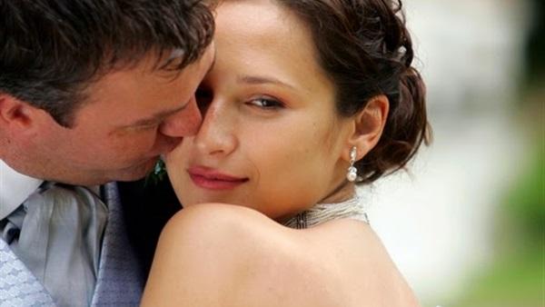 تفسير حلم شخص يقوم بتقبيلك موسوعة المعرفة الشاملة
