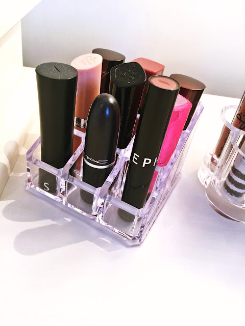 Lipstick holder with lipsticks