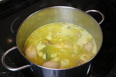 Preparación de pollo en salsa de almendras