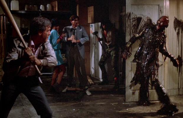 Resultado de imagem para A Volta dos Mortos-Vivos (1985)