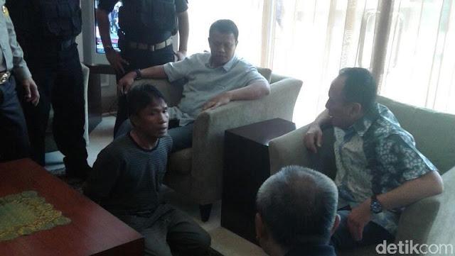 Ditangkap, Ius Pane 2 Kali Ngompol di Bandara Halim