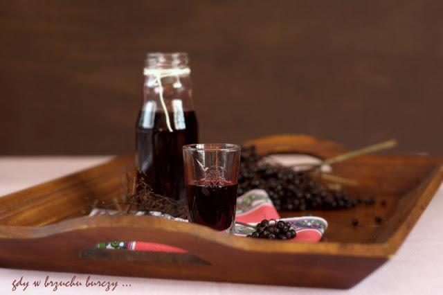 sok z czarnego bzu, syrop na kaszel,