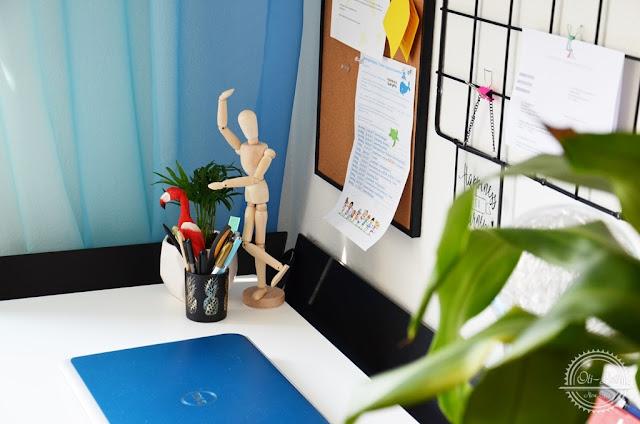 Jak urządzić kącik biurowy w domu?
