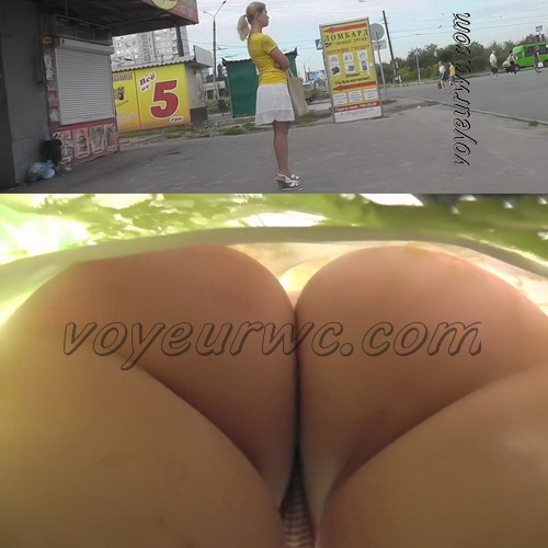 Young and sexy girls - Upskirt video features a sexy girls on a bus. Cute upskirts of subway girls. (100Upskirt 4836-4885)