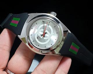 Jam Tangan wanita Gucci hitam