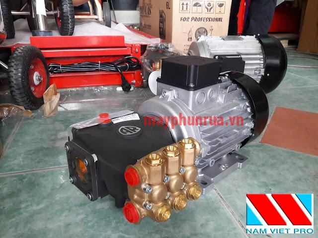 máy rửa xe áp lực cao U22-1408