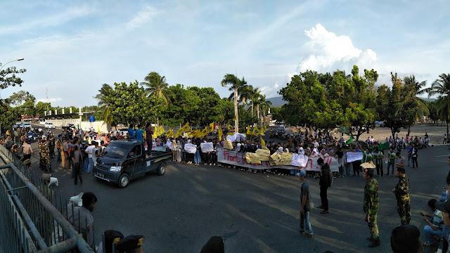 Ratusan Pemuda dan Mahasiswa Tuntut Mundur Bupati lampung Selatan