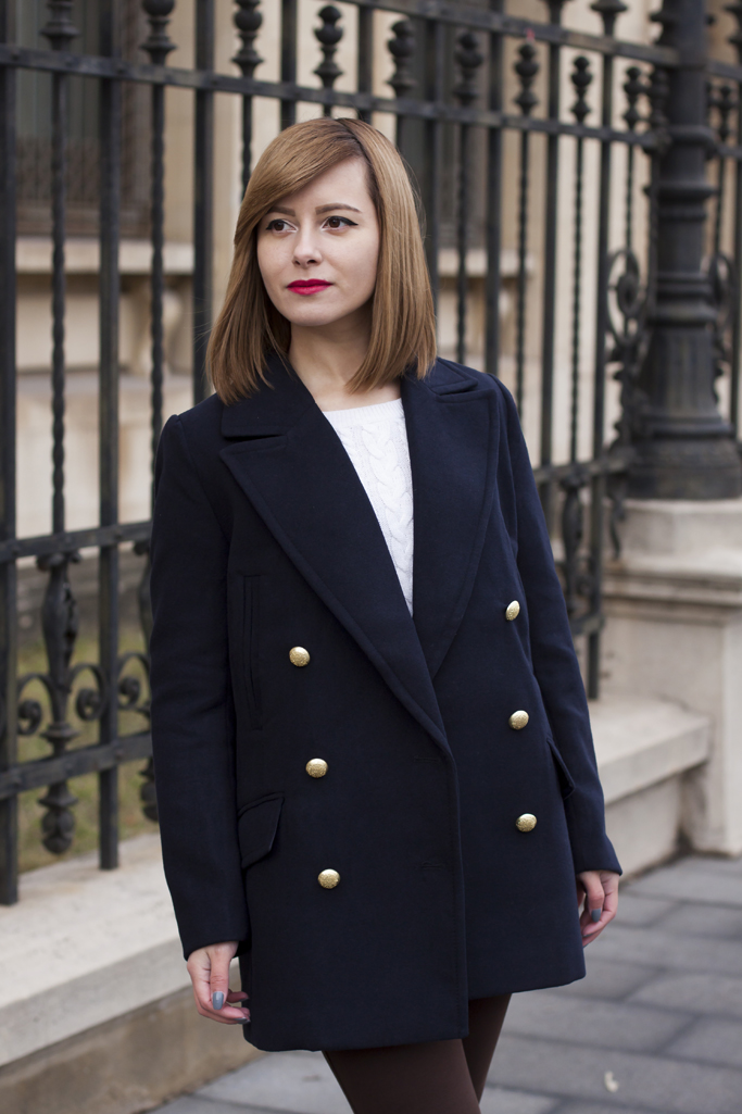 coat with big lapels