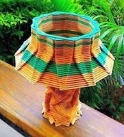 lampara hecha con palitos de helado