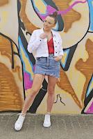 https://www.karyn.pl/2019/04/biaa-jeansowa-katana-i-czerwony.html