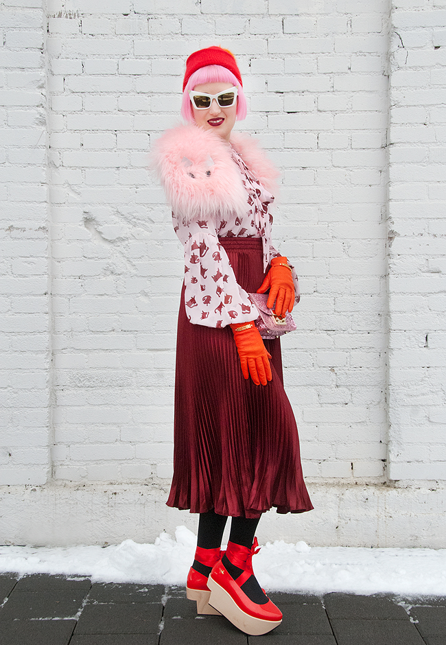 winter look, cat print, pleated skirt