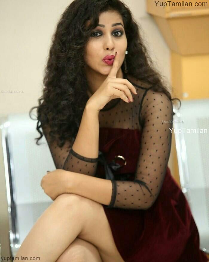 Pavani Reddy Hot Photo Gallery,Stills