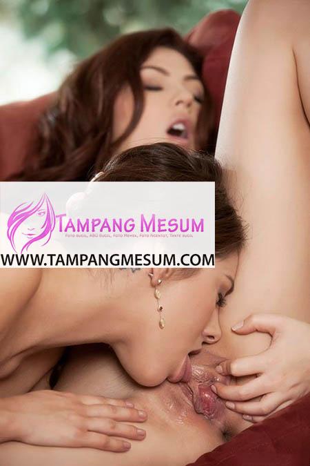 Foto Lesbi Cewek-Cewek Cantik Kobel Memek - Tampang Mesum ...