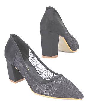 sepatu high heels pointed toe yang nyaman