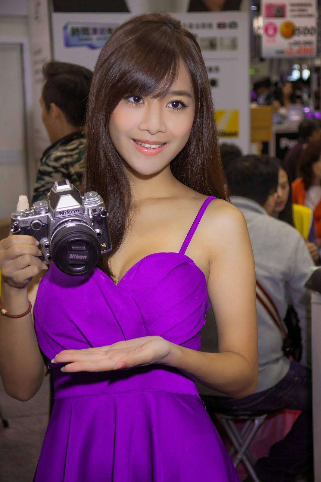 Super Sexy Asian Bikini Models At Taipei Mid Year Auto -2318