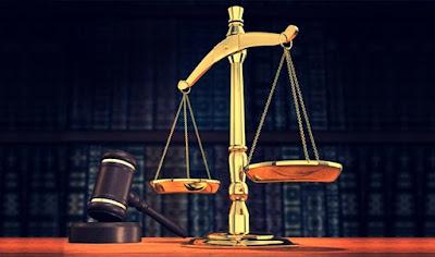 Penjelasan Hubungan Antara Hukum dan Kekuasaan
