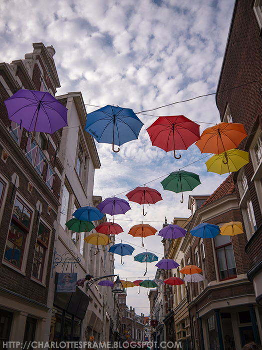 Deventer: The Umbrella Street / Paraplu straat