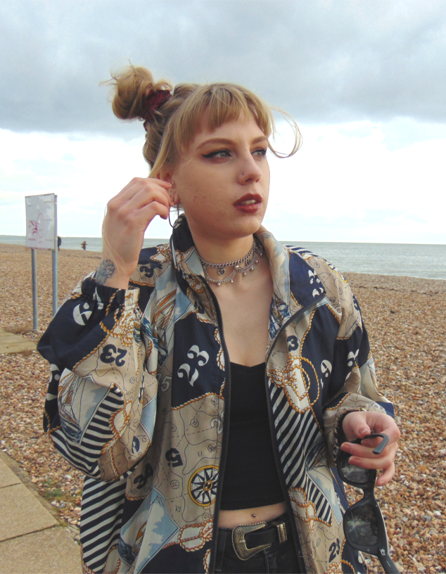 vintage jacket, topshop cain jeans, vintage outfit inspiration, nike air force 1, 90s outfit, 90s style, alternative fashion style inspiration, 90s space buns