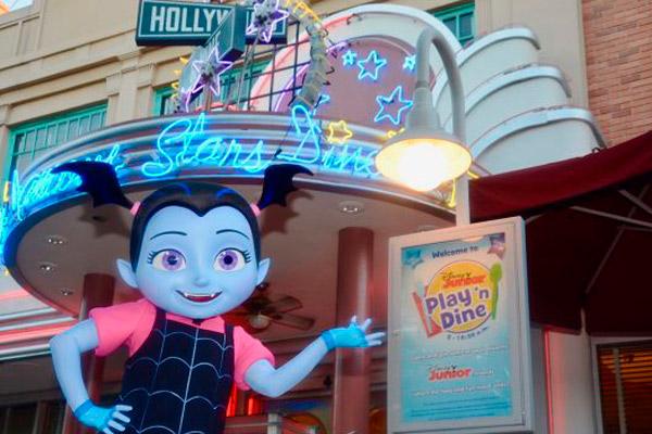 Vampirina: Café da manhã do Disney Junior para crianças no Hollywood & Vine