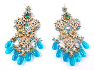 https://www.kcavintagegems.uk/huge-bollywood-style-rhinestone-drop-earrings-7181-p.asp