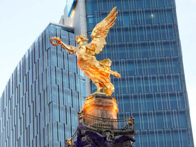 escultura alada cdmx