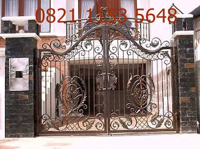 pintu pagar besi tempa untuk rumah mewah